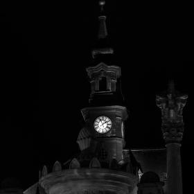 Českolipská radnice po setmění