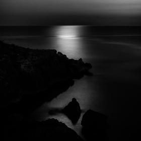 Moře v měsíčním svitu