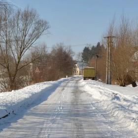 Cesta do obce