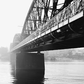 Zimní železniční most