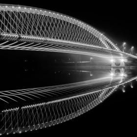 Zrcadlení Trojského mostu