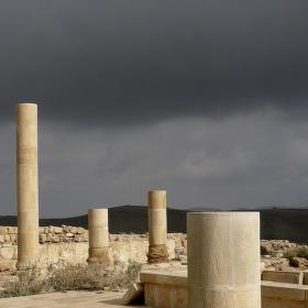 Mukawir (Machaerus) před bouřkou