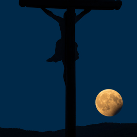 Měsíc a Kristus