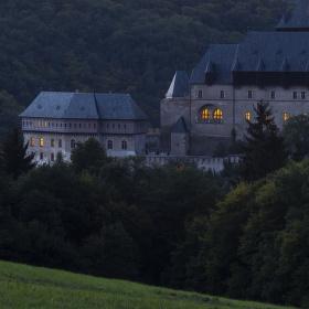 Tajomný hrad Karlštejn......