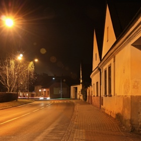 Jehlany v noci