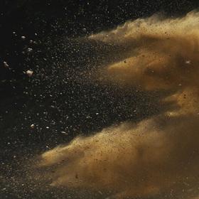 Zrozen z prachu