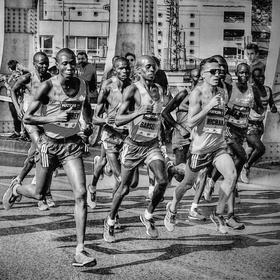 Maratónci