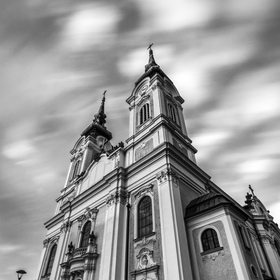 Kostel Panny Marie Královny, Mariánské Hory a Hulváky