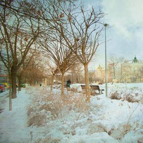 věž a sníh