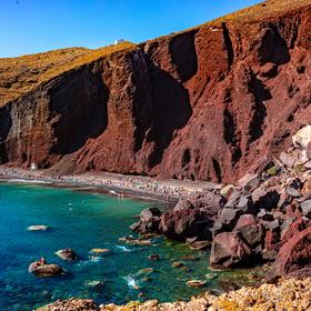 Červená pláž na ostrově Santorini