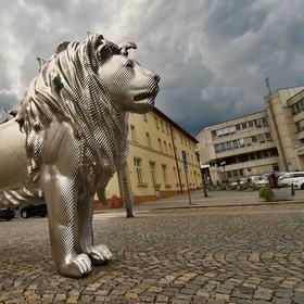 Ocelový lev.