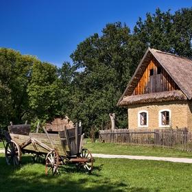 Historický vesnický dům ve skanzenu ve Strážnici