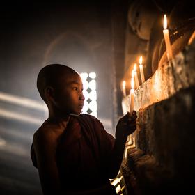 Sviečka pre Budhu