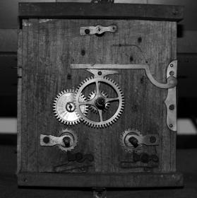 hodinový stroj