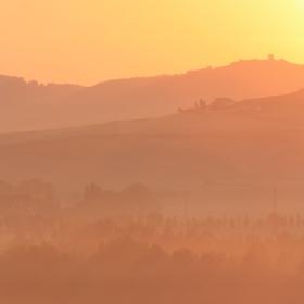 Svítání v Toskánsku