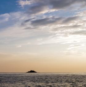 Pustý ostrov