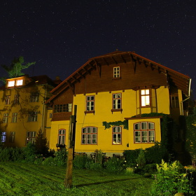 Keď sa dedinka nocou zahalí .