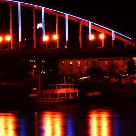 Noc nad řekou