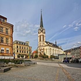 Náměstí a kostel Dr. Farského