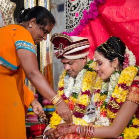 Hinduisticka svatba - žehnanie v chráme