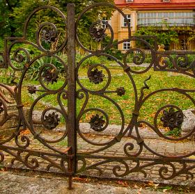 Brána k zámku Lechovice