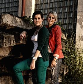 sestry u železničního depa