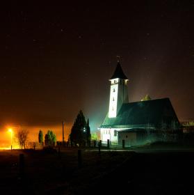 Kostel před příchodem mlhy