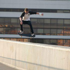 Jakub - Skateboarding - FS Ollie ze zdi - Vyšehrad