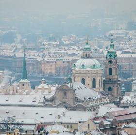 Ranní zasněžená Praha