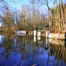 Mlýnský potok Morava splav Odrážka