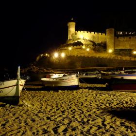 Noční pobřeží