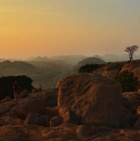 Hampi - západ slunce z Hanumanova chrámu