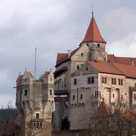 Staroslavný hrad Pernštejn