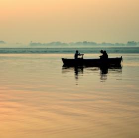 Řeka Ganga za úsvitu