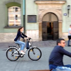 Bicyklistka