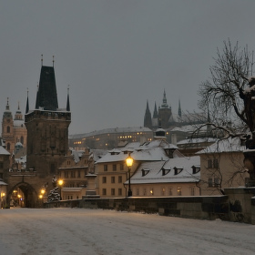Zasněžené pražské panorama