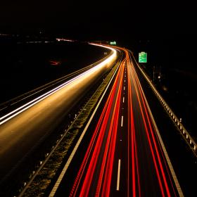 noční dálnice