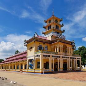 Hlavní chrám náboženství Cao Dai v Tay Ninh