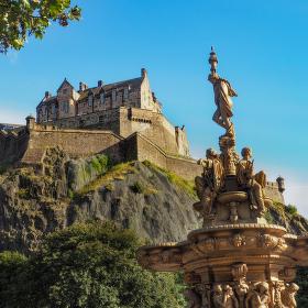 Ross Fountain & Edinburgh Castle