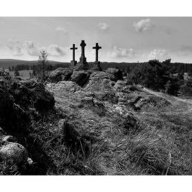 ......Tři kříže Prameny Slavkovský les ...