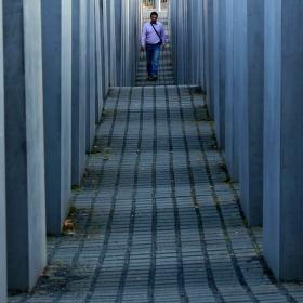 V labyrintu