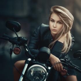Motorkářka