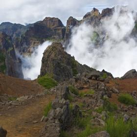 Mlžný kotel na Pico Arieiro