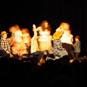 Tanec drsných hochů s vílami