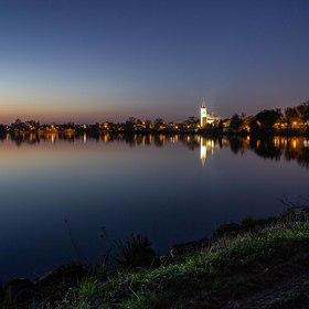 Rybník Nezmar u Dolního Benešova