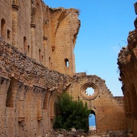 Gotické ruiny (Bellapais - Severní Kypr)