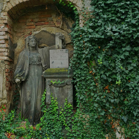 Hřbitovní zátiší