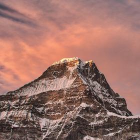 Nepál - západ slunce - Kusum Kanguru (6367m)