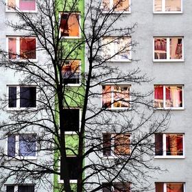 sídlisko krivých zrkadiel