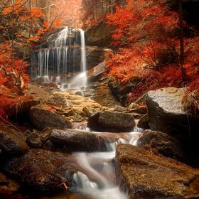 Rudohorský vodopád v podzimních barvách